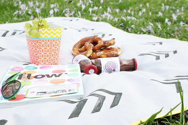 DIY-Anleitung: Picknickdecke zum Umhängen