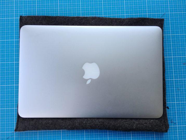 snaply-laptop-sleeve-kork-die kleine botin-11