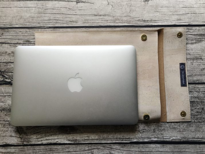 snaply-laptop-sleeve-kork-die kleine botin-14