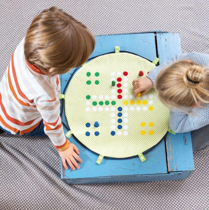 Kostenloses Schnittmuster: Spielbogen-Decke \