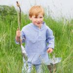 """Kinder-Hemd """"Leo"""" mit Stehkragen – kostenloses Schnittmuster"""
