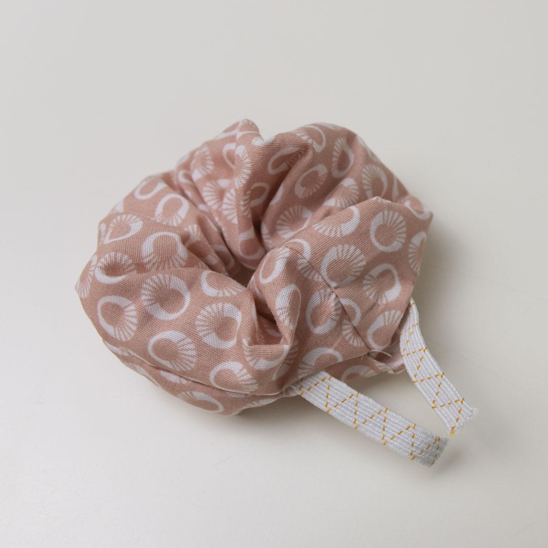 Stoff-Haargummi Scrunchie nähen – Schnittmuster kostenlos