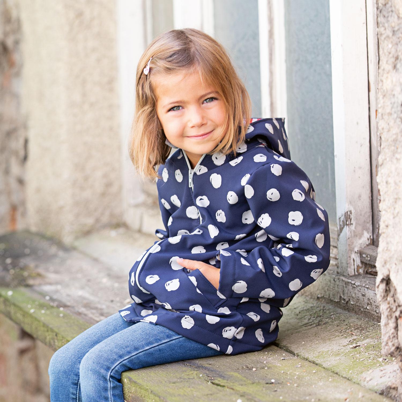 Kinder-Softshelljacke nähen – Schnittmuster kostenlos